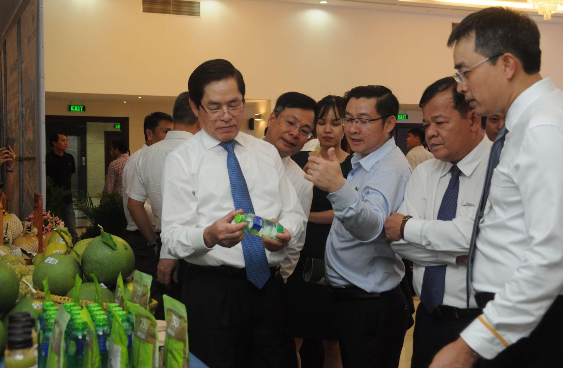 Miaqua tham gia ký buổi ký kết thỏa thuận hợp tác giữa Tây Ninh và Vietnam Airlines